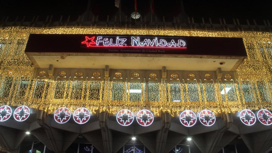 España se ilumina como nunca en Navidad para espantar el fantasma de la covid