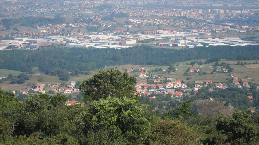 La producción industrial baja un 4,1% en octubre en Cantabria