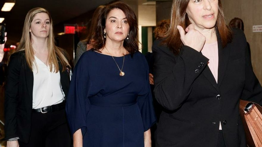 Actress Annabella Sciorra (C) arrives to testify as a witness in the sexual assault trial of former Hollywood producer Harvey Weinstein at New York State Supreme Court in New York, New York, USA, 23 January 2020.