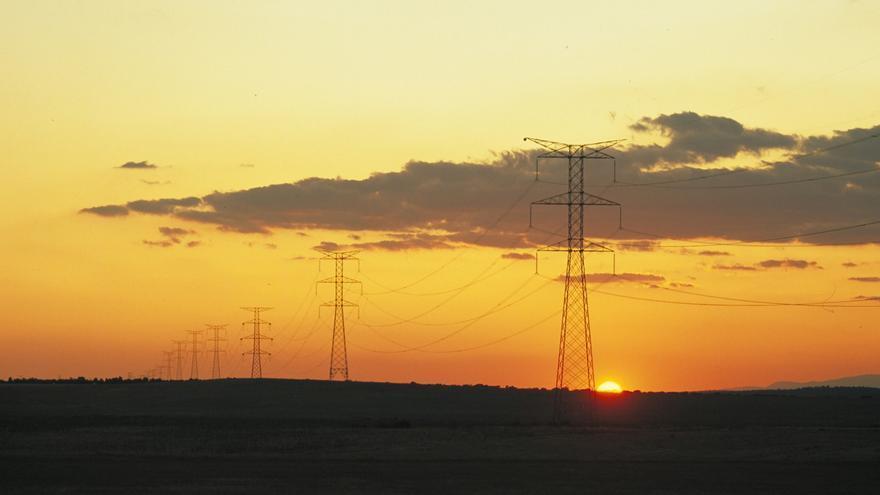 Las tormentas geomagnéticas pueden provocar alteraciones en las redes de transporte de alta tensión