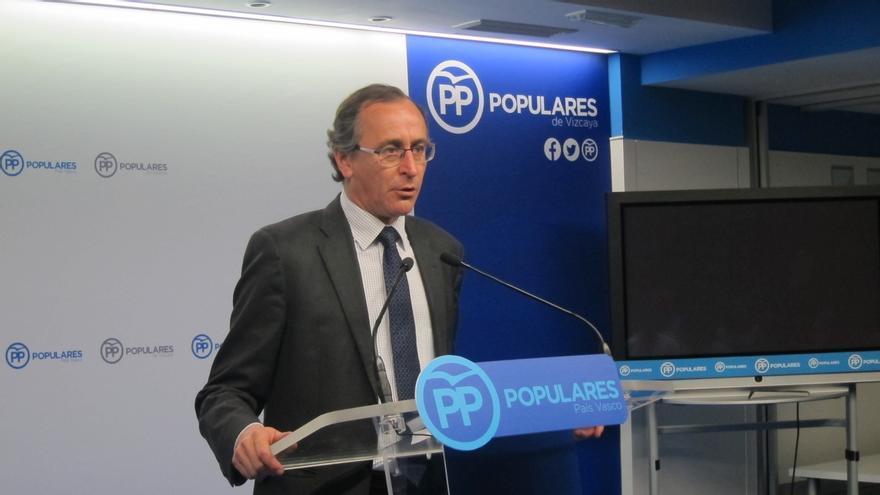 """Alonso (PP) pide a Urkullu que """"deje de actuar como portavoz de ETA"""" y """"rectifique"""" su propuesta sobre presos"""