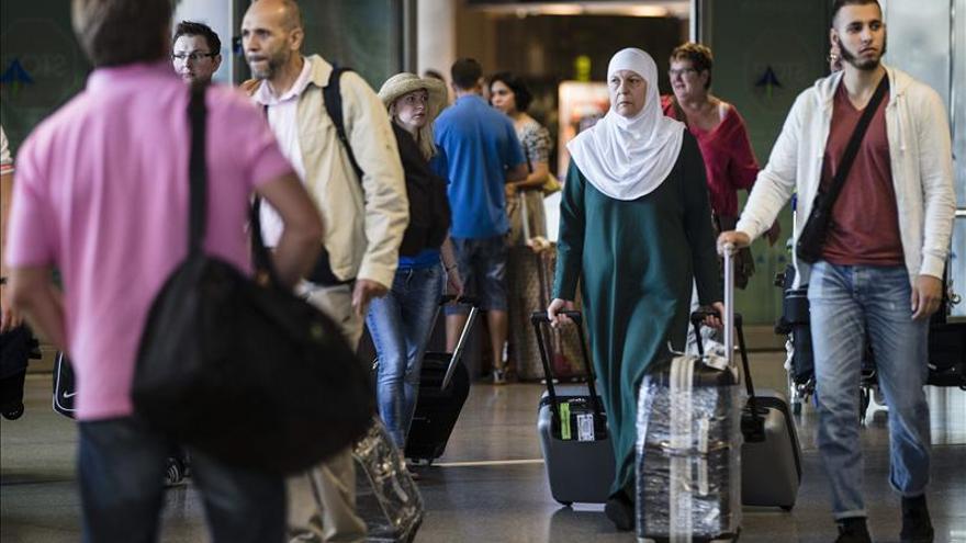 Andalucía acumula hasta octubre un 4 por ciento más de estancias pero el empleo baja