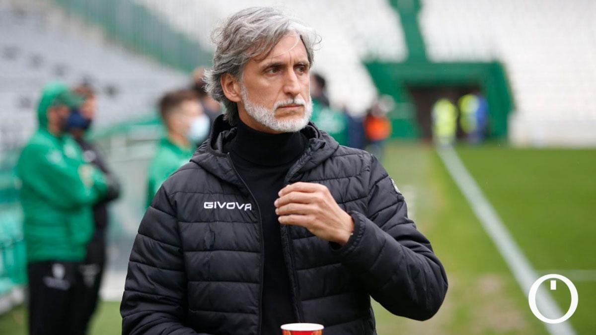 Pablo Alfaro, en el duelo con el Linares Deportivo.
