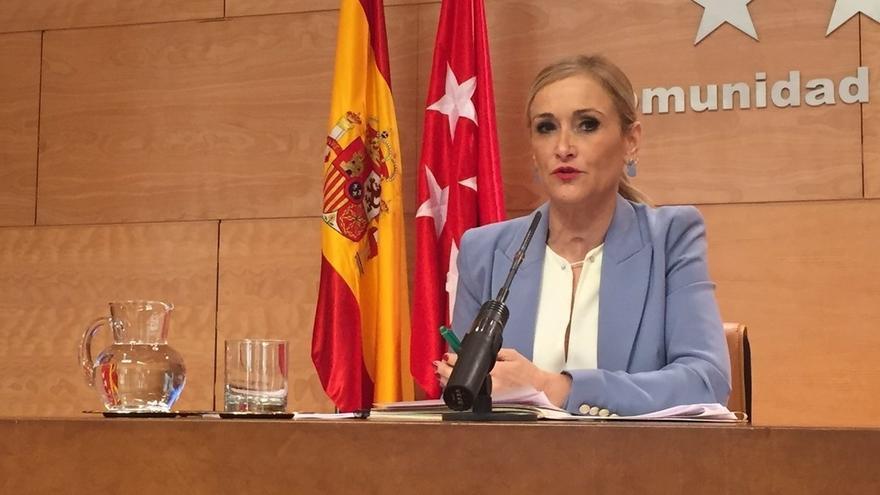 """Cifuentes respalda a Rajoy y cita como """"únicos responsables"""" de la """"crisis política"""" a Puigdemont y el Govern"""