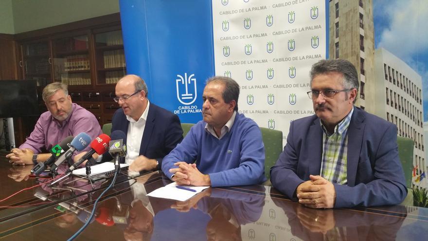Comparencia del grupo de Gobierno de Cabildo este lunes. Foto: LUZ RODRÍGUEZ.
