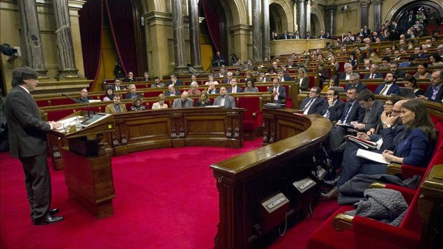 """Puigdemont promete un proceso """"sin pasos en falso"""" y ofrece """"diálogo"""""""