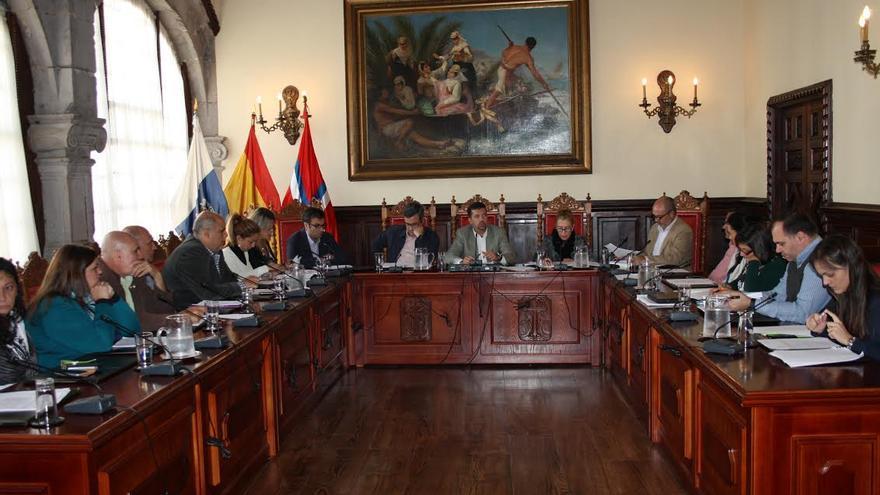 En imagen, una sesión del pleno del Ayuntamiento de Santa Cruz de La Palma.