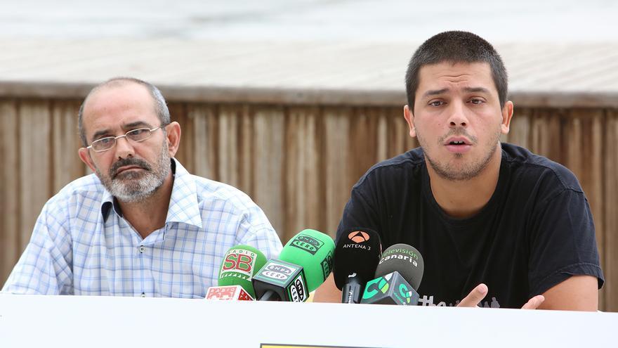 Los portavoces de 'Ahora en Común', Manuel Suárez  y Alejandro Morales. (FOTO: ALEJANDRO RAMOS)