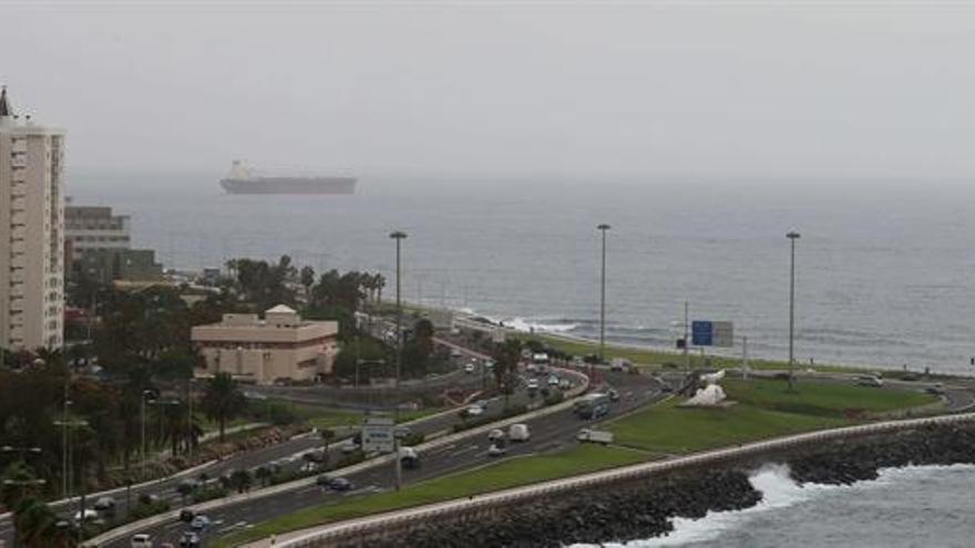 Cielos nubosos y calima para este martes en Canarias