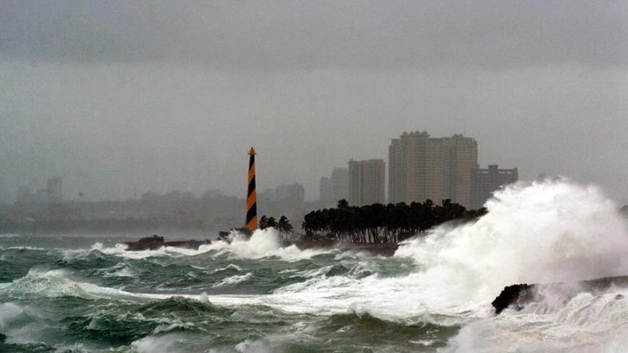 La tormenta Gastón llega este viernes a las Azores con fuerte viento y oleaje