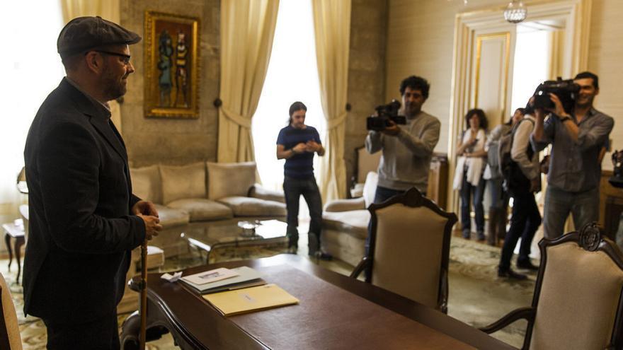 Noriega, en el despacho de la Alcaldía de Santiago