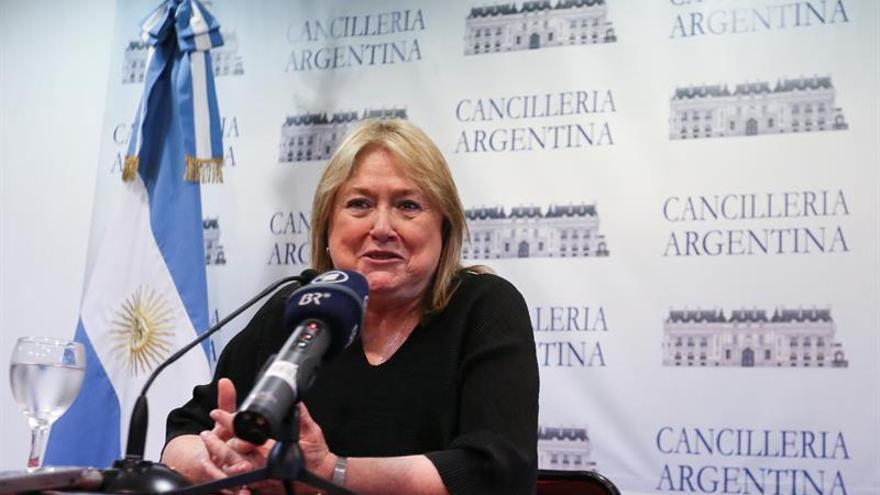 Argentina dice que la disputa de las Malvinas está sobre la mesa pero lejos de una solución