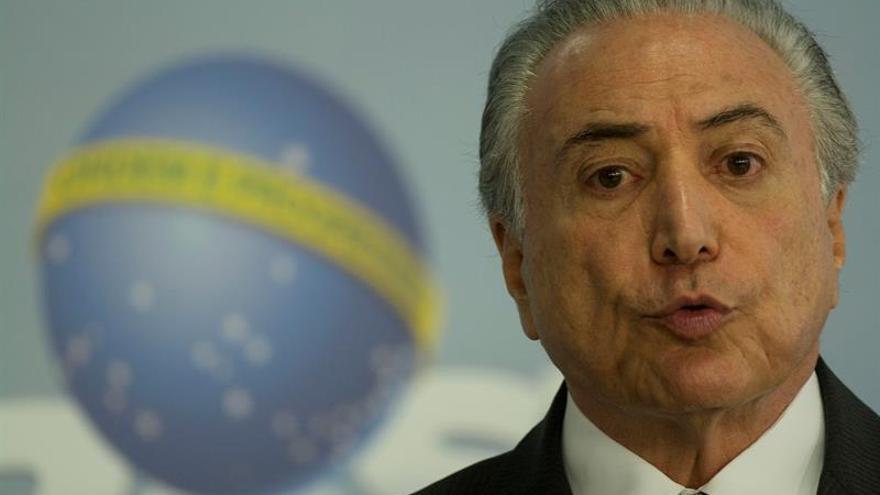 """Temer dice que 2017 """"será un año nuevo"""" y Brasil """"vencerá"""" la crisis"""