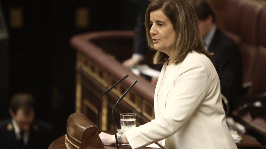 """Báñez dice que los datos de empleo """"apuntan a una paulatina recuperación"""" que se fortalecerá en 2014"""