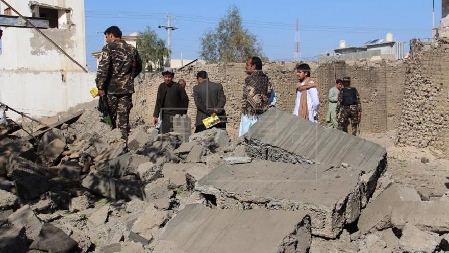 Al menos seis muertos y 15 heridos en atentado con bomba en este de Pakistán