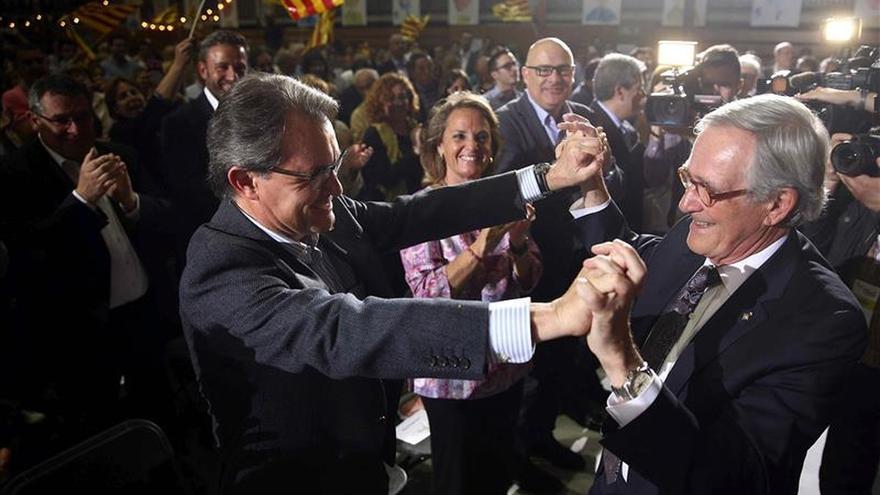 Trias (CiU) firma el manifiesto 'Ayuntamientos para la independencia' de ANC