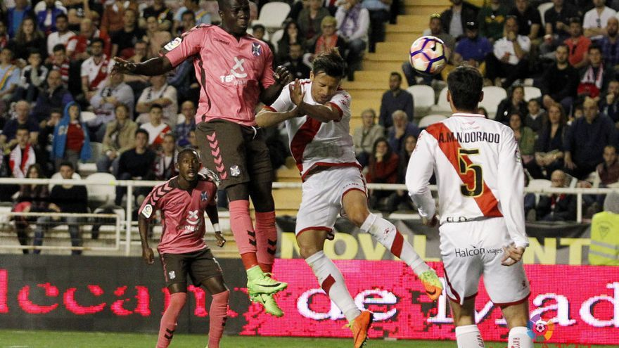 Imagen del partido entre el Rayo Vallecano y el Tenerife.