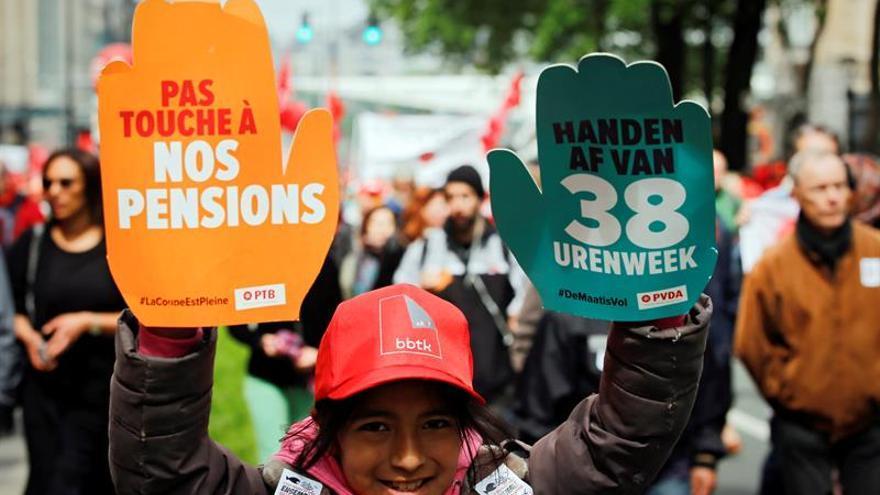 Hasta 50.000 personas marchan en Bruselas contra la política del Gobierno belga