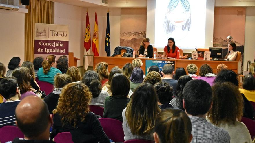 Raquel Riba Rossy durante la presentación de su tercer libro en Toledo