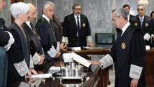 El nuevo fiscal superior de Canarias, Luis del Río (d), en su toma de posesión
