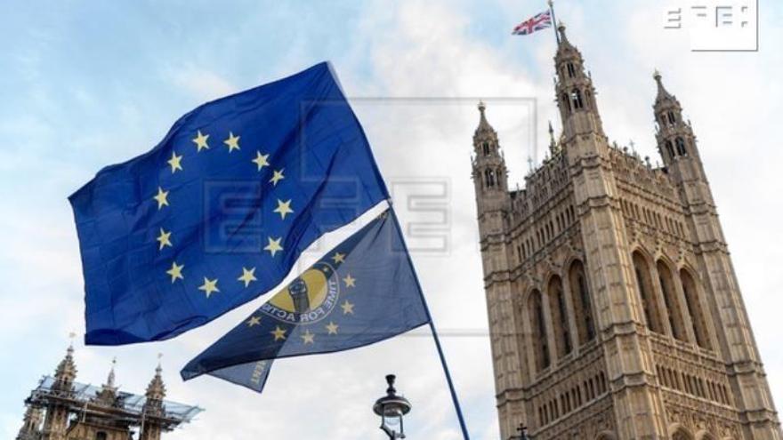 """El Parlamento británico debate y vota los pasos del """"brexit"""""""