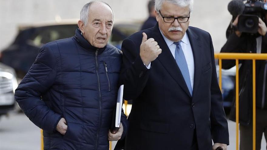 Miguel Ángel Fernández Ordóñez a su llegada a la Audiencia Nacional.