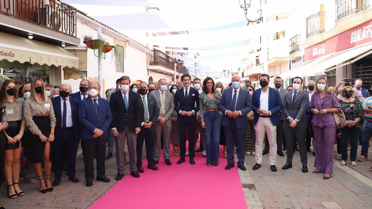 Autoridades en la inauguración de Fuente Palmera de Boda