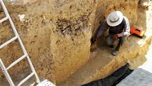 Trabajos arqueológicos en la fosa de San Fernando (Cádiz). |