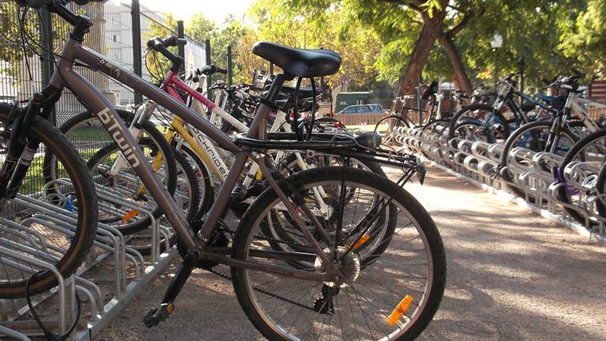 Aparcamiento municipal de bicicletas en Barcelona
