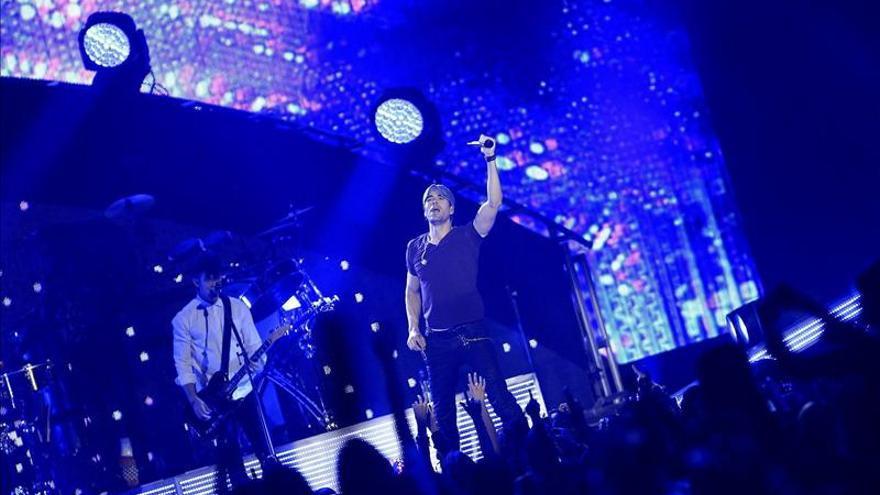 Enrique Iglesias premia las ganas de bailar de Madrid con un show efectivo