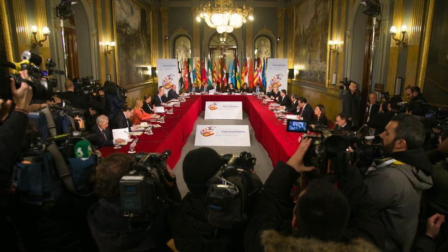 El Senado acoge la reunión de la Conferencia de Presidentes, en la que participa el valenciano Ximo Puig