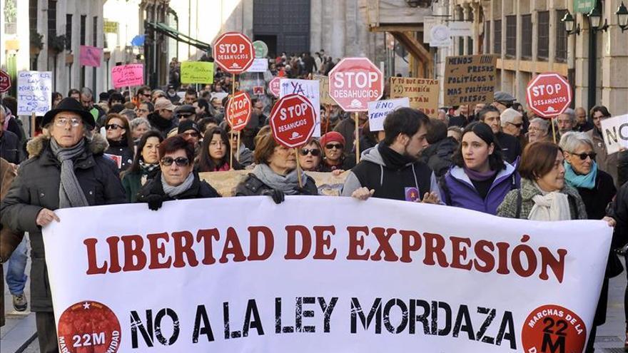 PSOE, IU y UPyD recurren ante el Constitucional la ley de Seguridad Ciudadana