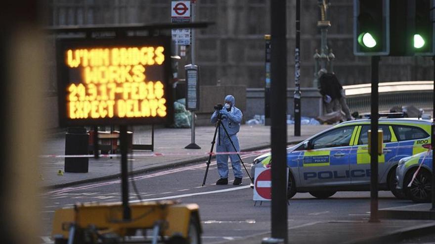 Siete detenidos y seis redadas en Inglaterra en relación al atentado Londres
