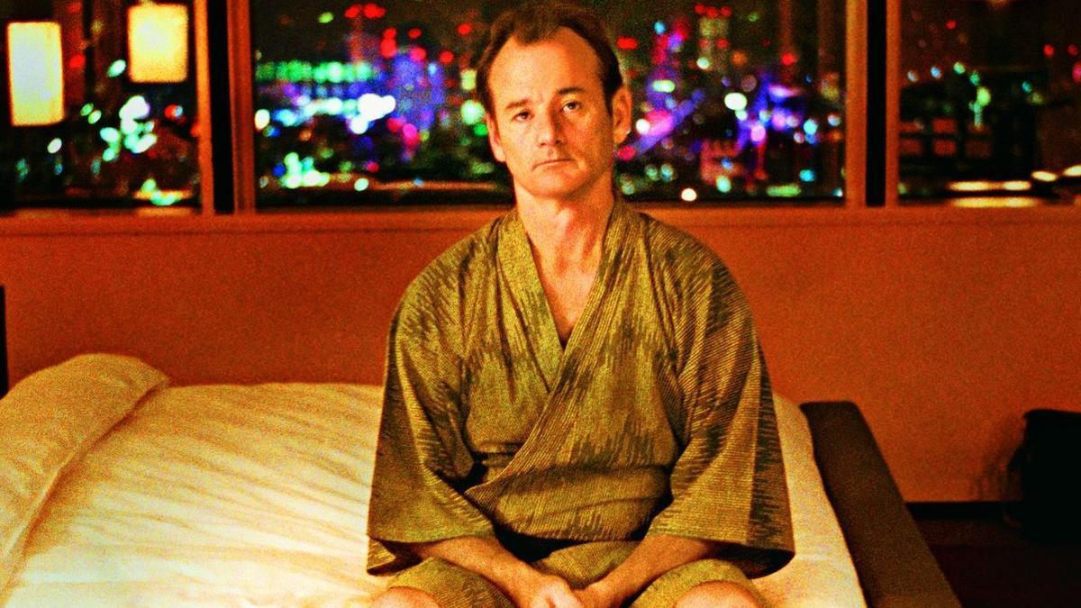 """""""Perdidos en Tokio"""", la película sobre un encuentro en Japón y el jet lag."""