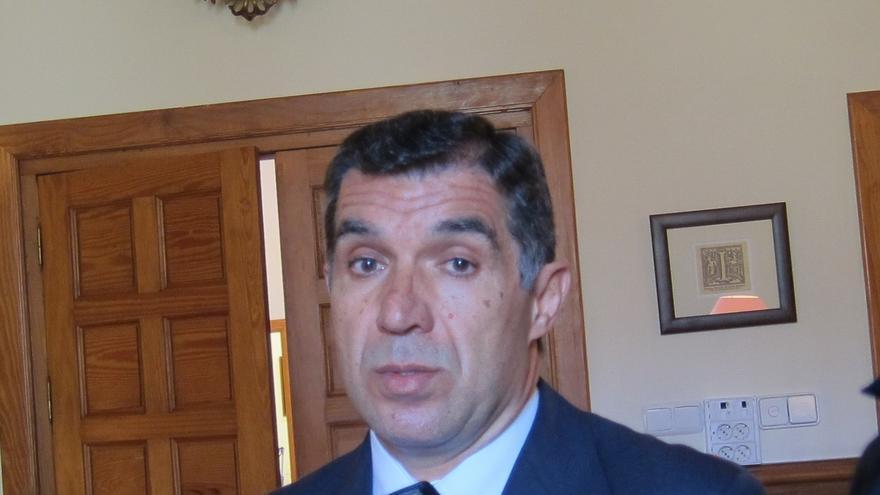 Presidente del TSJA traslada a los jueces la obligatoriedad de paralizar las ejecuciones con riesgo de exclusión social