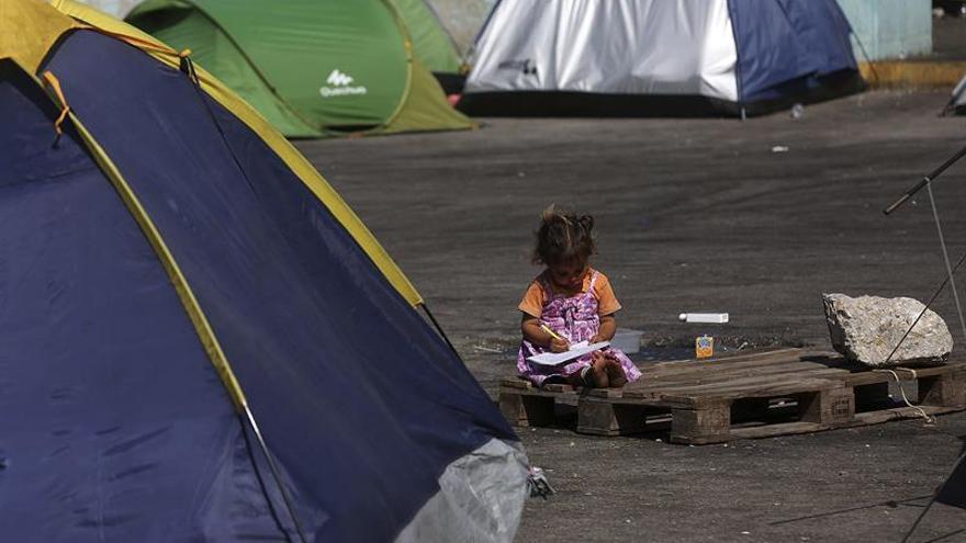 Grecia supera oficialmente los 54.000 migrantes y refugiados en su territorio