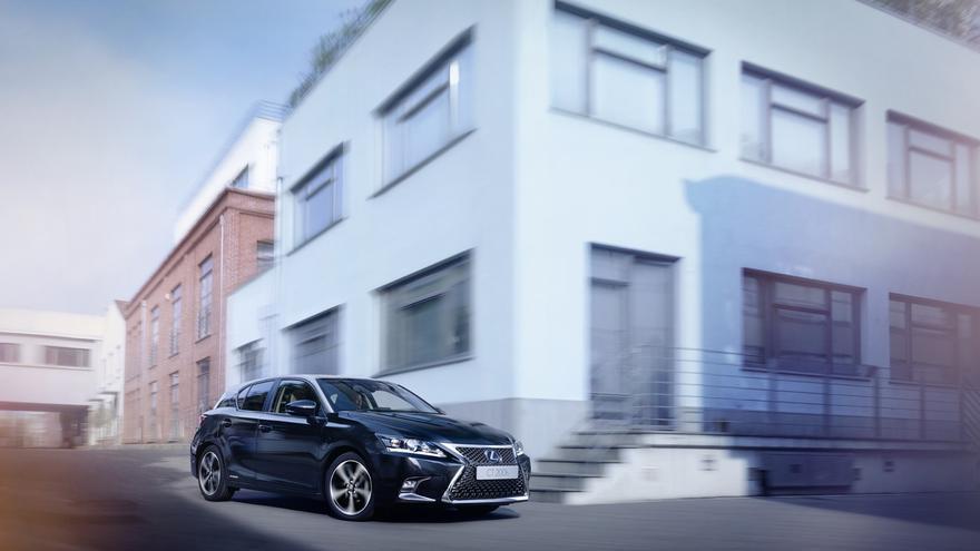 Lexus CT Black & Grey Edition.