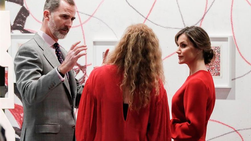 Los Reyes apoyan ARCO 2018 con una visita inaugural que evita la polémica