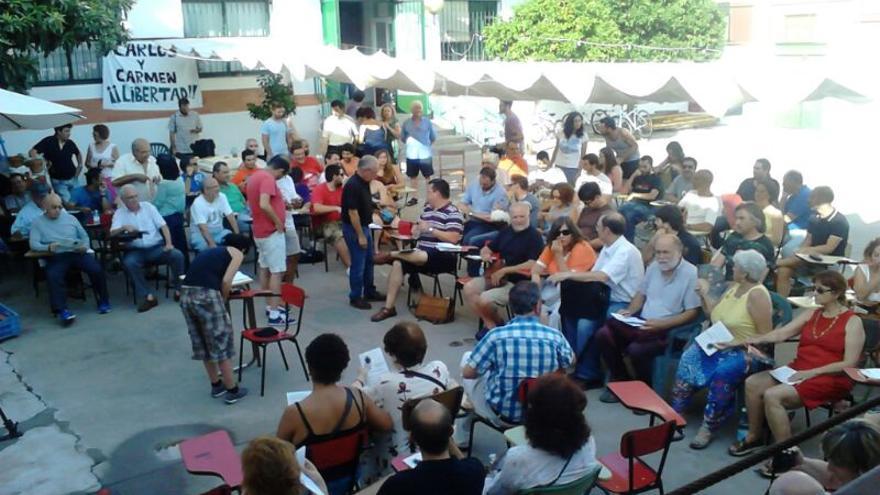 Reunión de 'Recuperemos Córdoba' con representantes de Equo, Podemos, IU, Stop desahucios, Frente Cívico,Rey Heredia.../Foto: Carmen Reina