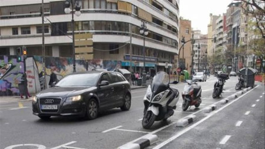 Nuevas plazas para motos junto al anillo ciclista