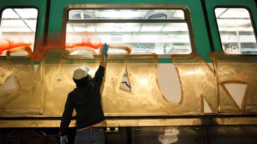 """Grafiti en el metro: Un submundo de """"reyes"""" que quieren imitar los """"macarras"""""""