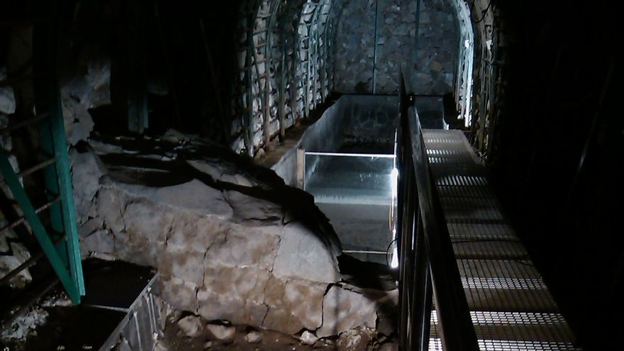 Imagen de archivo del interior de la galería de la Fuente Santa.