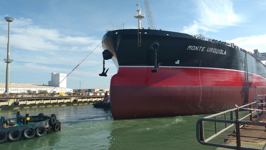 El Monte Urquiola, el tercero de los petroleros Suezmax fabricados en Puerto Real.