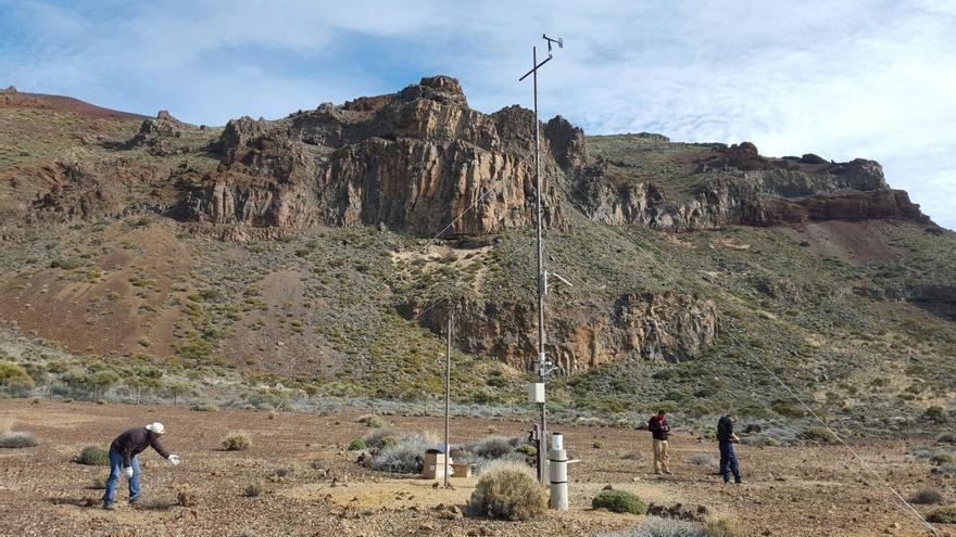 Preparación de una de las nuevas estaciones dentro del circo de Las Cañadas