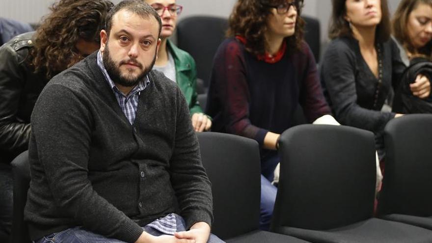 Absuelto el edil Guillermo Zapata de humillar a víctimas por su tuit de Irene Villa