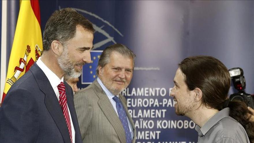 "Pablo Iglesias regala ""Juego de Tronos"" a Felipe VI"