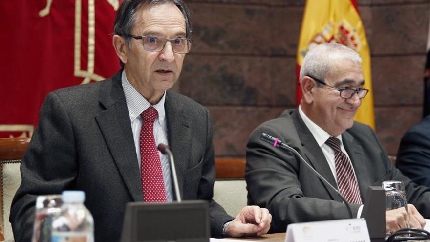 El presidente del Parlamento de Canarias, Antonio Castro, en el acto del Día Internacional de las Personas con Discapacidad. EFE/Cristóbal García