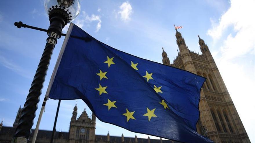 """Casi 53.000 españoles aspiran a quedarse en el Reino Unido tras el """"brexit"""""""