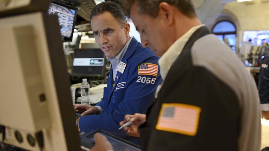 Wall Street abre la semana con un descenso del 0,29 por ciento en el Dow Jones