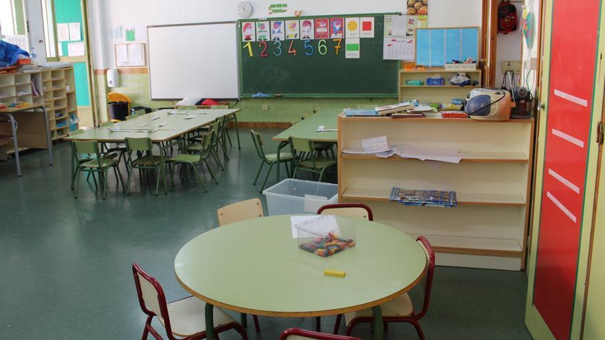 Aula vacía de una escuela valenciana.